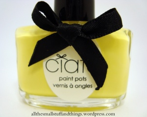 Ciaté Caviar Manicure - Lemon Fizz Kit - paint pots - PP151 loop de loop - close up