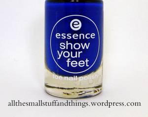 Essence Show you feet - 27 electric blue close up