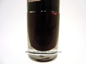 Maybelline Color Show - 357 Burgundy Kiss - close up