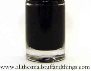 Maybelline Color Show - 677 Blackout close up