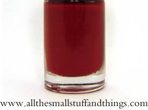 Maybelline Color Show - Rot (Bezeichnung unbekannt) close up